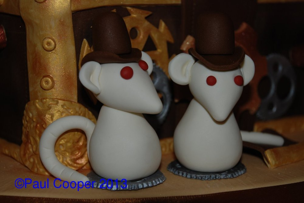 Rats in hats!